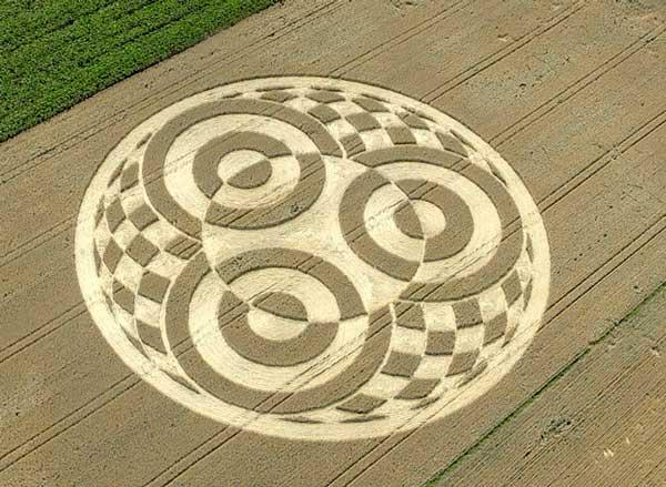 crop-circle-di-ladang-gandum-jerman