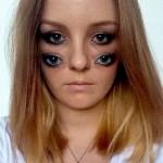 Gadis Cantik Ini Punya Empat Mata di Wajahnya