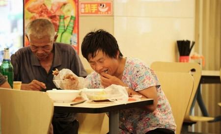 Pengemis Tapi Makannya di Hotel Bintang Lima