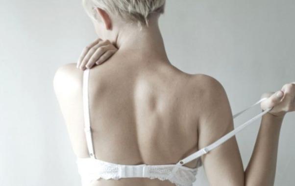 hari tanpa bra