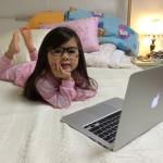 Breanna Sedang Bermain Laptop - (c)officialbreannayoun