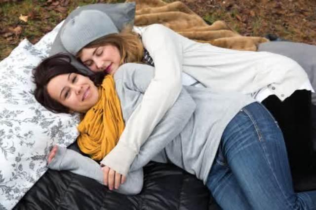 Cuddle Up To Me Peluk Aku dan Kamu Akan Lebih Tenang!