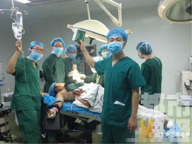 Foto Dokter Dan Perawat Pasca Operasi Menuai Kritik (3) SHANGHAIIST