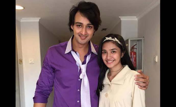 Mikha Tambayong Beradu Akting Dengan Saurabh Raj Jain