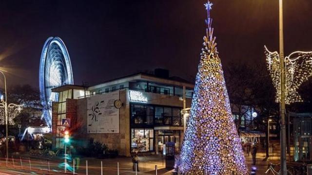 Pohon Natal Tertinggi