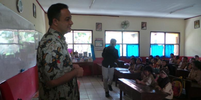 Teuku Riefky Sesalkan Keputusan Pemberhentian Kurikulum 2013
