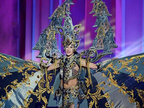 Elvira dengan kostumnya the Chronicles of Borobudur