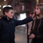 Reaksi Bocah-Bocah Lelaki Ini Saat Diminta Menampar Wanita Bikin Hati Meleleh SBSCOMAU