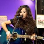 Wanita Ini Jago Main Gitar Lho Wanita Ini Jago Main Gitar (Tiffany Alvord))