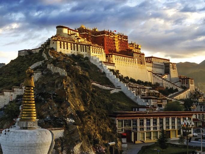 Tibet, Negeri Di Atas Awan - (c)jetgalaindonesia.com