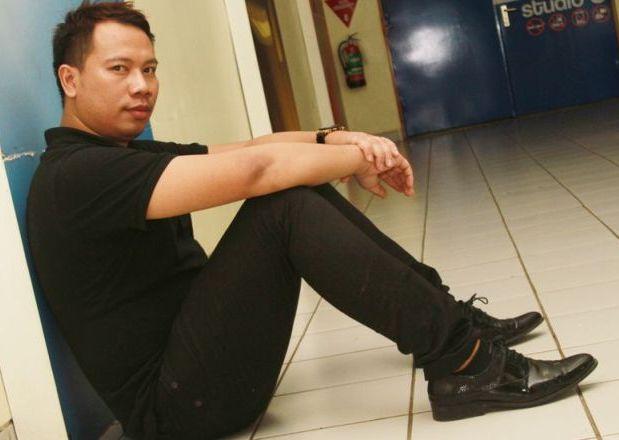 Vicky Prasetyo Siap Bertanggungjawab Untuk Fariz RM