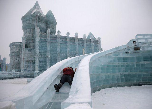 Taman Hiburan Yang Berbentuk Kota Es di China 3 REUTERS