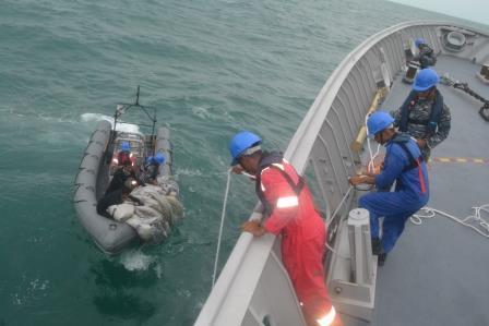 Proses pencarian korban pesawat AirAsia QZ8501