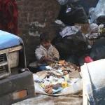Disebut sebagai Zabbaleen atau Trash People | copyright viralnova.com