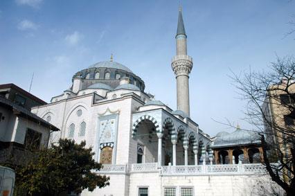 Masjid Tokyo Camii (c) travelliburan