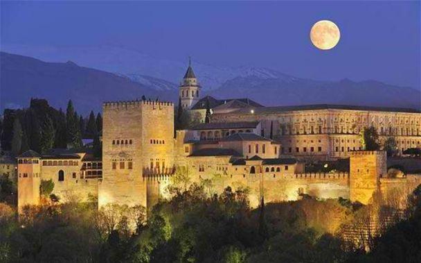 Istana Alhambra - Granada, Spanyol