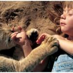 Anak-anak yang dibesarkan oleh binatang