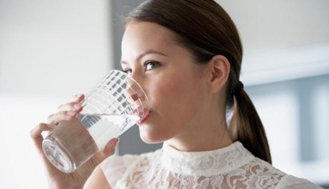 manfaat-minum-air-putih