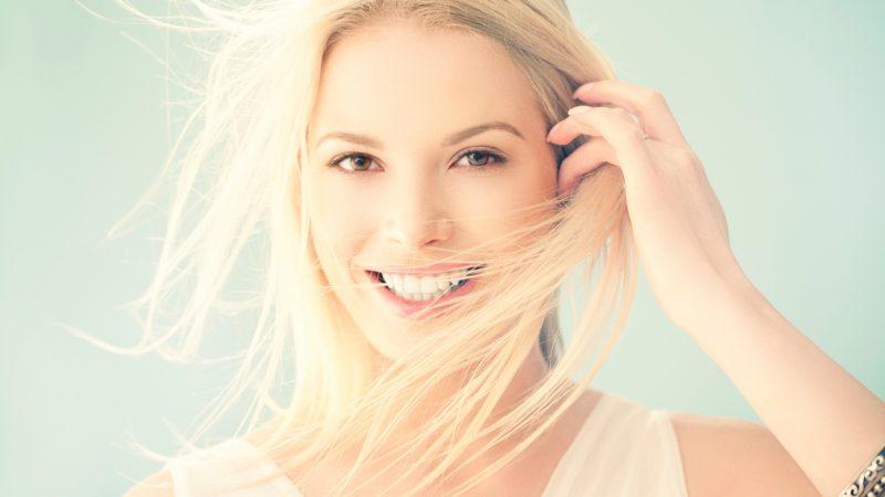 gigi putih jadi pede untuk tersenyum