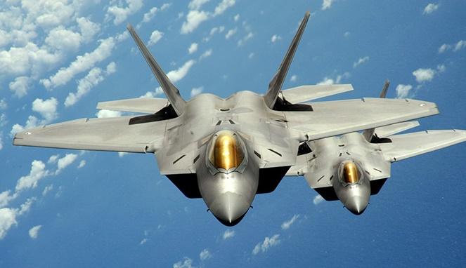 F-22 Raptor [ Image Source ]