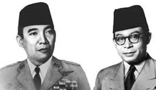 Penampilan Bung Karno dan Bung Hatta [ Image Source ]